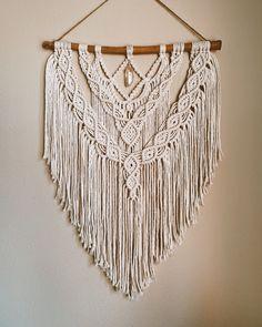 Macrame Wall Hanger, Large Macrame Wall Hanging, Tapestry Wall Hanging, Diy Crafts Love, Bohemian Wall Decor, Hanging Crystals, Macrame Art, Citrine Crystal, Macrame Patterns