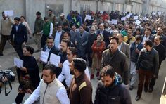 #Kashmir | This Is Now Amid anti-government and anti-PDP sloganeering, opposition National Conference on Wednesday took out a protest demonstration from its Nawa-i-Subh headquarters up to the highly fortified residence of Chief Minister at Gupkar More pics at - http://u4uvoice.com/?p=241460