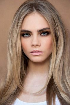 Hair, Bronde, Cara Delevingne, Coloration Cheveux Blond cendré, mèche blonde