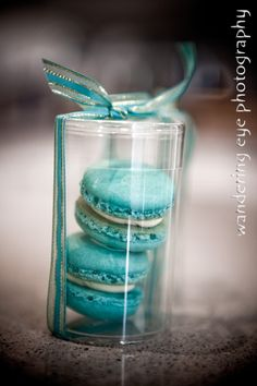 Bomboniere / favors for a wedding.. Macaroons!
