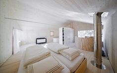 A Minimalist Wooden Cabin In The Alps Alpine Forest, Humble House, Villa, Wooden Cabins, Minimalist Design, Living Spaces, Architecture, Bed, Modern