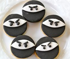 Ninja cookies -- happy 2nd birthday! | www.yankeekitchenninja.com