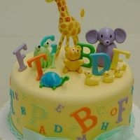 Tartas de Cumpleaños - Birthday Cake - Animal Alphabet Cake - These cute baby animals are just learning to spell. The decorations are all made out of fondant. Alphabet Cake, Animal Alphabet, Alphabet Birthday, Alphabet Party, Fancy Cakes, Cute Cakes, Fondant Cakes, Cupcake Cakes, Fondant Baby