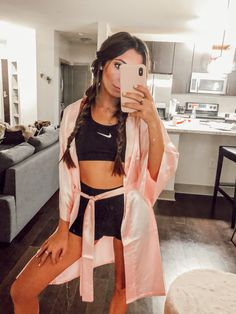 When you want unique and scary Halloween outfits, see PartyWorld for an exciting series of ideas, We& got a great selection of . Halloween 2018, Boxer Halloween, Cute Group Halloween Costumes, Trendy Halloween, Group Costumes, Couple Halloween, Halloween Photos, Vintage Halloween, Girl Halloween Costumes College