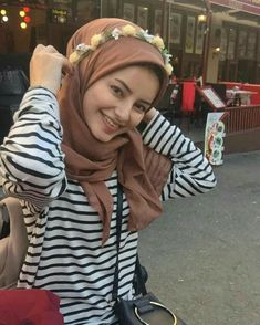 Casual Hijab Outfit, Ootd Hijab, Hijab Chic, Hijab Dpz, Modern Hijab, Muslim Women, Hijab Fashion, Street Style, Allah Islam