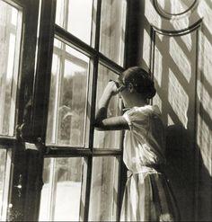 Clo in the window. La Celle-Saint-Cloud, 1933, Emmanuel Sougez. French (1889 - 1972)