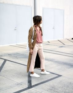 Mauve Short Sleeve Blouse – Azalea | Kick Flare Beige Pant – Oak + Fort | Long Trench Coat – Neon Rose | White Sneakers – H&M | Petite Tote White – Kyla Joy My latest trip to San Francisco ended up being me fan girling over my favorite SF shopping spots. One in particular Read More