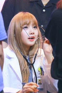 Doc: You have Lalice Heart Disease. Kpop Girl Groups, Korean Girl Groups, Kpop Girls, Blackpink Lisa, Kim Jennie, K Pop, Rapper, Thai Princess, Blackpink Memes