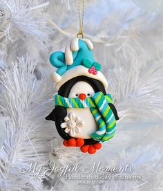Handcrafted Polymer Clay Penguin Ornament por MyJoyfulMoments