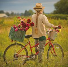 Las bicicletas son para el verano / Bicycles are for summer Country Life, Country Girls, Country Charm, Country Farmhouse, Country Style, Bicycle Art, Dutch Bicycle, Bicycle Decor, Cruiser Bicycle