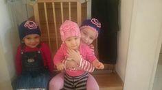 Moje tri vnučky v čiapočkách