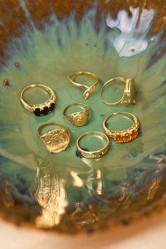 Antique Jewelry Golden Oldies Collection - ANNA NINA with Myrthe Giesbers, Shirley Oostrom, Laura Yard and Ninja Vaal. Diy Jewelry Rings, Nail Jewelry, Cute Jewelry, Jewelry Art, Antique Jewelry, Vintage Jewelry, Jewelry Accessories, Fashion Jewelry, Jewlery