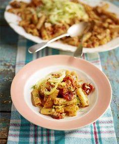 Rigatoni mit Krebsfleisch und Fenchel-Zitronen-Salat