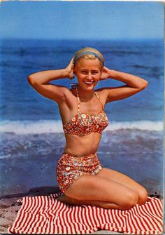 2019 Sexy Brazilian Bikini Swimwear Women Halter Push Up Bikini Set Swimsuit Female Floral Print Bandage Biquini Bathing Suit Bikini Vintage, Vintage Bathing Suits, Vintage Swimsuits, Vintage Lingerie, 1960s Fashion, Vintage Fashion, Surfer Girl Style, Bathing Beauties, Brigitte Bardot