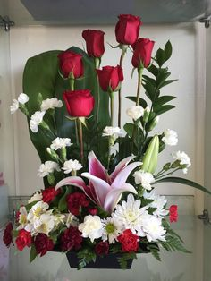 Send Brighten Her Day in Valley Village, CA from Durango Flower Shop, the best florist in Valley Village. All flowers are hand delivered and same day delivery may be available. Valentine Flower Arrangements, Blue Flower Arrangements, Valentines Flowers, Rosen Arrangements, Altar Flowers, Church Flowers, Flowers Garden, Paper Flowers, Beautiful Rose Flowers