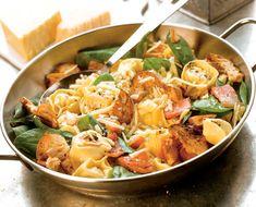Salată de spanac cu tortellini - Retete culinare - Romanesti si din Bucataria internationala Tortellini, Edamame, Thai Red Curry, Ethnic Recipes, Food, Eten, Meals, Diet