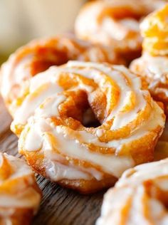 Pumpkin Spice Brulée Crullers & Drippy Honey 'n Spice Glaze via Deliciously Yum! I actually made them into apple cider donuts! They were delicious! Pumpkin Recipes, Fall Recipes, Sweet Recipes, Just Desserts, Delicious Desserts, Yummy Food, Donut Recipes, Cooking Recipes, Donuts