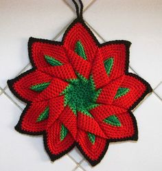 change the green to yellow and you have a poinsettia! many great examples. Melancia by Colorido Eclético - por Cristina Vasconcellos Crochet Potholders, Crochet Motifs, Crochet Doilies, Crochet Flowers, Crochet Patterns, Crochet Mandala, Knitting Patterns, Crochet Kitchen, Crochet Home