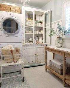 Inspiring Farmhouse Laundry Room Décor Ideas 11