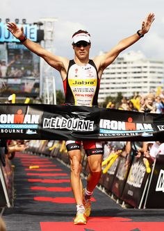 """To keep winning, I have to keep improving."" – Craig Alexander, Ironman World Champion (Health and fitness quotes) Craig Alexander, Sport One, Ironman Triathlon, Brain Training, Arnold Schwarzenegger, Olympians, Fitness Quotes, Powerlifting, Mens Fitness"