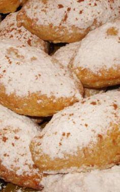 Ποντιακά λουχούλια με μήλο Pretzel Bites, Hamburger, Food And Drink, Appetizers, Sweets, Stuffed Peppers, Bread, Recipes, Kitchen