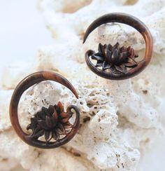 Pair Handmade Organic Wood Circular Hanger Ear Plugs Gauge Half Stars Hoops 4g Body Jewelry Latest Fashion