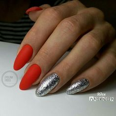 Matte red nails with two silver leaf nails manichiur Gorgeous Winter Red Nail Art Designs Red And Silver Nails, Red Nails, Silver Blonde, Silver Hair, Silver Nail Designs, Nail Art Designs, Perfect Nails, Gorgeous Nails, Cute Nails