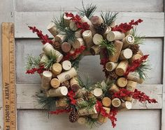 11 Christmas Wine Cork Accent Wreath with Red and Green Accents. Cork Christmas Trees, Christmas Wine, Christmas Wreaths, Christmas Decorations, Christmas Ornaments, Reindeer Christmas, Wine Cork Wreath, Wine Cork Art, Wine Corks