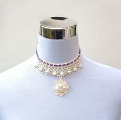 Irish crochet choker jewelry pearl beaded flower necklace  very pretty