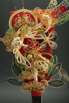 Battledore 羽子板 This is amazing string art. Japanese Party, Japanese New Year, Geisha, Japan Art, Jp Japan, New Years Decorations, Fukuoka, Nihon, Japanese Design