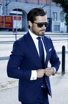 Wow just wow. I think the gorgeous PRINCE Carl Philip is more than sufficient to be Bastien Thorne. Thoughts?