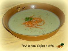 Du poireau et des carottes au jardin .... Voilà de quoi préparer cette nouvelle soupe !!!! Recette extraite du best -seller ** 24 soupes naturellement coupe faim et protectrices ** PARFAIT POUR 1 JSC et en Simpl'Express Velouté de poireaux à la julienne...
