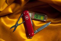 A Terabyte of storage tucked away in your Swiss Army knife?  Cool!    Only $3,000