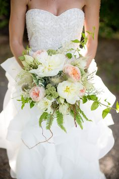 Beautiful bridal bouquet and Lake Tahoe wedding