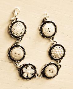 Free Time Frolics: Vintage {Button} Bracelet