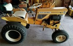 A well-preserved example of the first Allis-Chalmers garden tractor. Small Tractors, Compact Tractors, Old Tractors, Lawn Tractors, John Deere Decals, Cub Cadet Tractors, Garden Tractor Pulling, Mini Jeep, Best Garden Tools