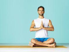 Einfach Sitzen: Im Yoga übt man, sich anzustrengen und zugleich freudvoll und friedlich mit sich selbst verbunden zu bleiben. Sitzhaltung, Yoga, Yoga Journal