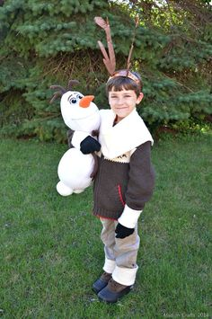 homemade sven frozen costumes | And here Sven is with his pal, Olaf. Seriously, who wouldn't want to ...