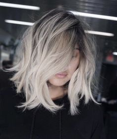 hairstyles ideas – New Ideas Silver Blonde Hair, Blonde Hair Looks, Balayage Hair Blonde, Long Bob Balayage, Medium Hair Styles, Short Hair Styles, Platinum Hair Color, Hair Cuts, Hair And Beauty