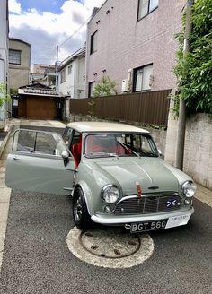 728 Exciting Mini Love Images In 2019 Antique Cars Classic Mini Cars
