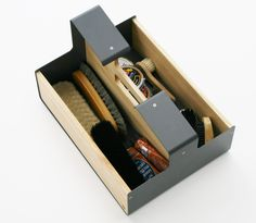 Shoe polishing box, made from sheet metal and oak wood. Made in Germany. Design: arbor-felix.de