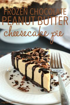 This Frozen Chocolate Peanut Butter Cheesecake Pie is the best ultra-creamy summer dessert for chocolate and peanut butter lovers! Make it in minutes with only a few simple ingredients! Frozen Chocolate, Chocolate Peanuts, Homemade Chocolate, Chocolate Chocolate, Easy Summer Desserts, Frozen Desserts, Frozen Treats, Pie Dessert, Dessert Recipes