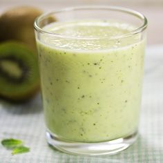 Mint, kiwi and pineapple smoothie by KLFoodStyle