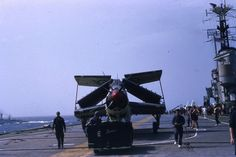 Fairey Gannet of on the flight deck of HMS Centaur in The Guf of Aden 1959 (Photo: Rob Pennycook) Navy Aircraft, Ww2 Aircraft, Aircraft Carrier, Military Aircraft, Luftwaffe, Capital Ship, Airplane Fighter, Experimental Aircraft, Civil Aviation