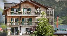 Seehotel Grundlsee, Facade/entrance Restaurant, Sauna, Facade, Entrance, Cabin, Mansions, House Styles, Home Decor, Fotografia