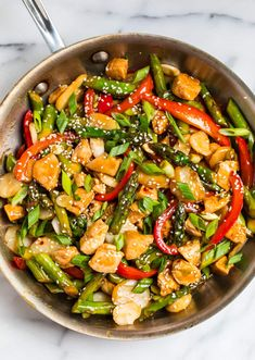 Easy, healthy Teriyaki Chicken Stir Fry with Vegetables. This healthy meal comes together in a flash and uses everyday ingredients. Healthy Teriyaki Chicken, Teriyaki Stir Fry, Homemade Teriyaki Sauce, Chicken Recipes Dairy Free, Chicken Lunch Recipes, Turkey Recipes, Whole Food Recipes, Healthy Recipes, Asian Recipes