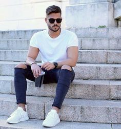 Casual look, don't know why but white kicks seem to be making a comeback at…