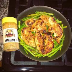 Eating clean and need some flavor? We've got you covered! - Even the simplest of meals can be delicious it all just depends on your ingredients. @assyrian.princess used her Lemon and Garlic Seasoning on her chicken and asparagus! - We are shipping orders out ASAP all week once they are done being made FRESH! Don't miss out on the special deals we have on our site FREE SHIPPING USA! - #FlavorGod Seasoning Breakdown: Made Fresh Gluten free Paleo Low salt (25-50mg per 1/4 tsp) No MSG No GMO No…
