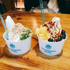Comme chaque mois, nous vous invitons à partager sur Instagram vos photos lors de vos passages en boutique avec le hashtag #californiabliss ! L'auteur de la photo la plus likée du mois remportera un bon de dégustation !  Photo : @_lau_ra__  #concours #concoursphoto #bonplan #jeuconcours #foodies #food #froyo #frozenyogurt #icecream #glace #plaisir #gourmandise #aix #aixenprovence #provence #californiabliss #californie