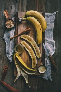 in Cooking: Homemade Kefir A Honey-Roasted Banana Kefir Smoothie A Cookbook Giveaway Fruit Photography, Food Photography Styling, Food Styling, Roasted Banana, Food Design, Fruits And Veggies, Vegetables, Food Pictures, Food Art